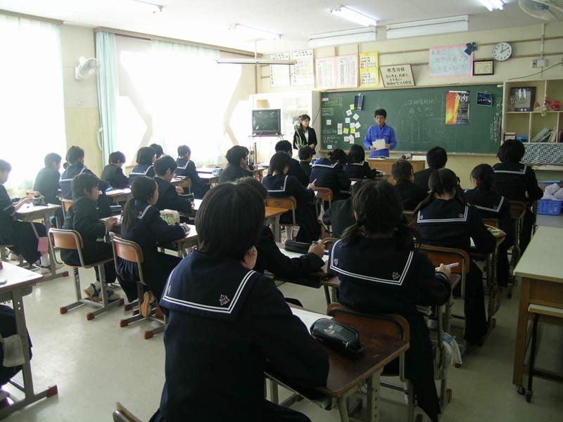 稲毛中学校「光のオブジェ」作り: 夜灯(よとぼし)BLOG